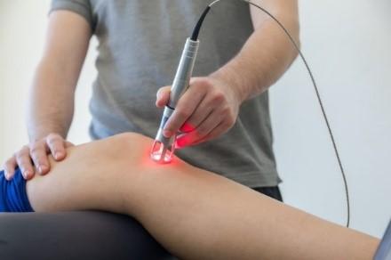 تاثیرات لیزر کم توان و پر توان بر دردهای ناحیه زانو